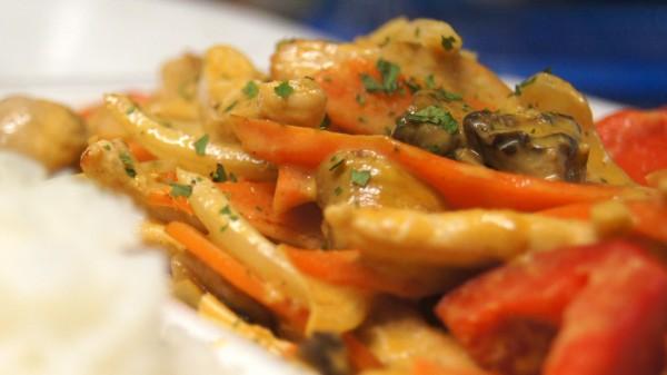 Erdnuss Kokos Curry