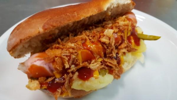 Arriba`s Hot Dog