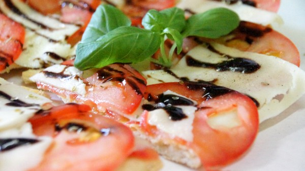 Pizzabrot Caprese