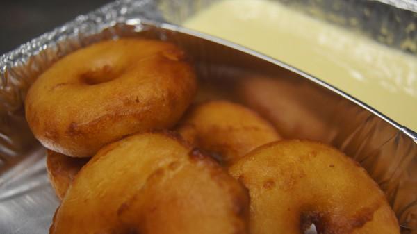 Apfelküchle mit Vanillesoße